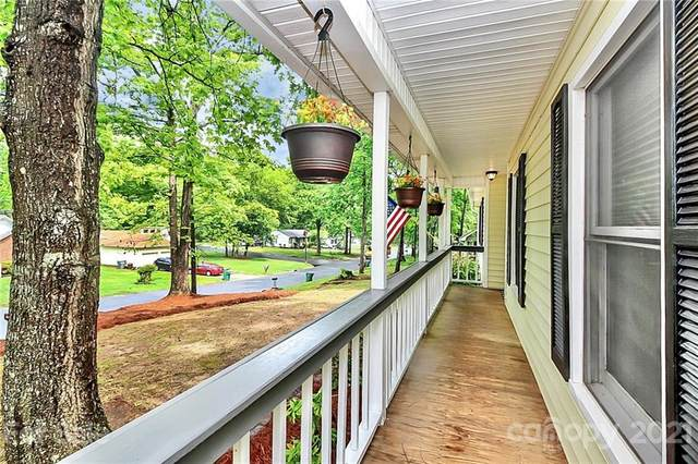 8100 Barncliff Road, Charlotte, NC 28227 (#3736863) :: Carolina Real Estate Experts