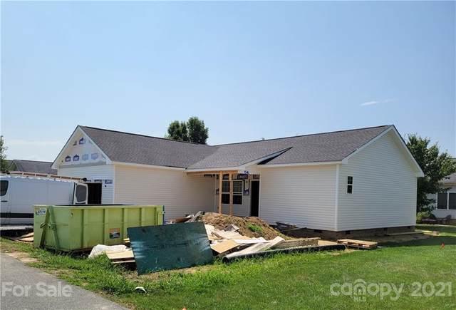 214 Beechnut Drive, Hendersonville, NC 28739 (#3746815) :: Besecker Homes Team