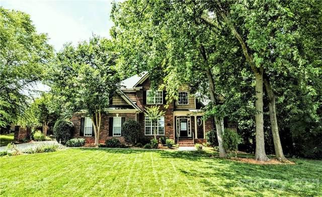 8001 Glamorgan Lane, Matthews, NC 28104 (#3758627) :: Briggs American Homes