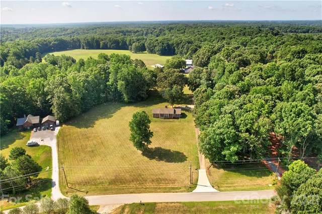 212 Eastport Lane, Mooresville, NC 28115 (#3761236) :: MartinGroup Properties