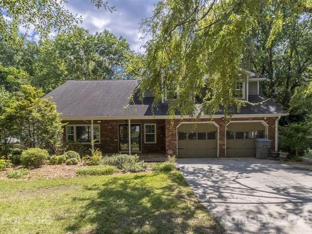 4008 Foxmoor Drive, Charlotte, NC 28226 (#3768557) :: Home and Key Realty