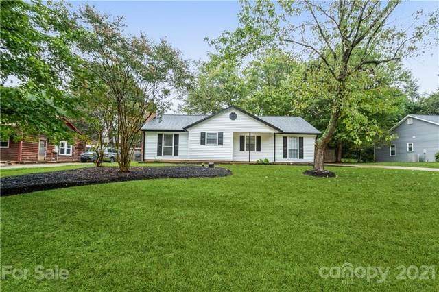 6024 Falstaff Drive, Charlotte, NC 28227 (#3786403) :: Carver Pressley, REALTORS®