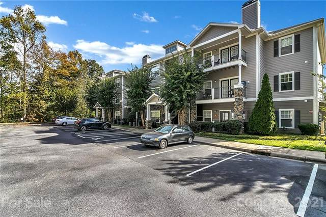 900 Vista Lake Drive #207, Candler, NC 28715 (#3794098) :: Scarlett Property Group