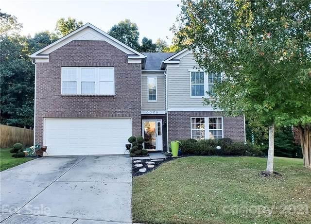 6006 Blue Ash Lane, Charlotte, NC 28215 (#3796870) :: Carlyle Properties