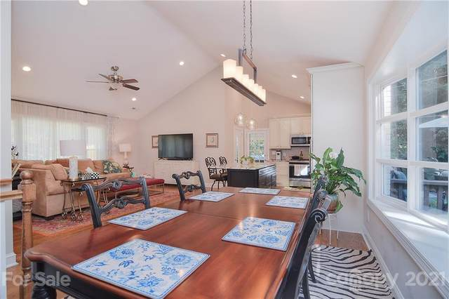 5601 Farmbrook Drive, Charlotte, NC 28210 (#3797019) :: MartinGroup Properties