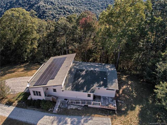 1031 Glade Mountain Drive, Canton, NC 28716 (#3669430) :: Charlotte Home Experts