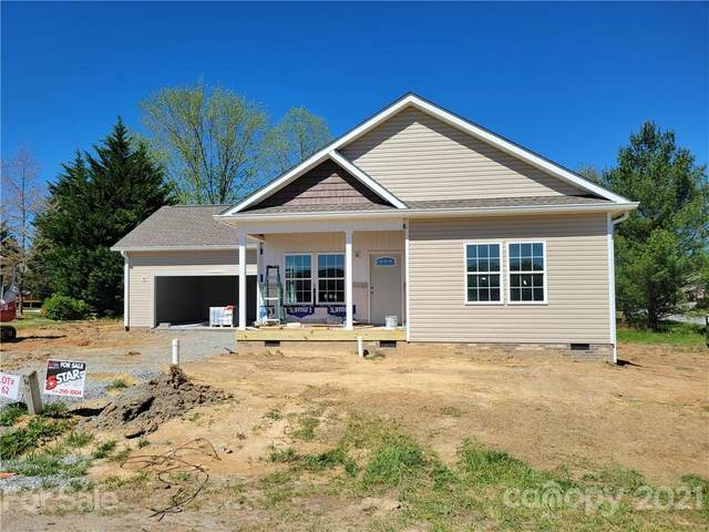 506 Riverwind Drive, Hendersonville, NC 28739 (#3718798) :: Carlyle Properties