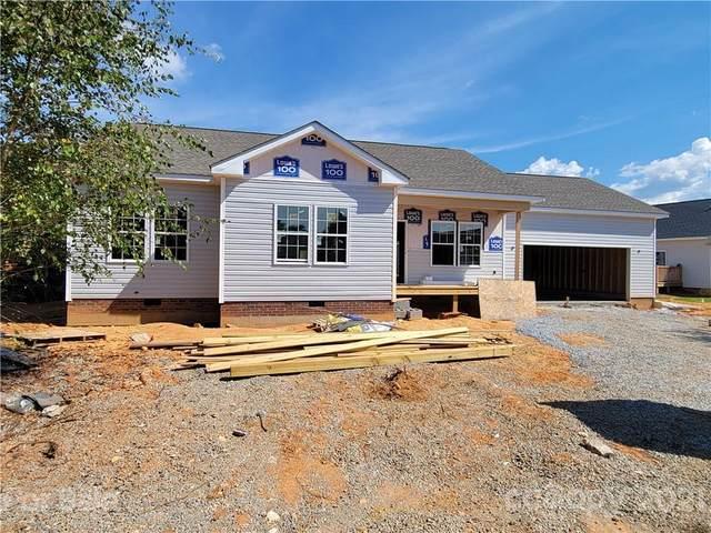 464 Riverwind Drive #102, Hendersonville, NC 28792 (#3761956) :: Briggs American Homes