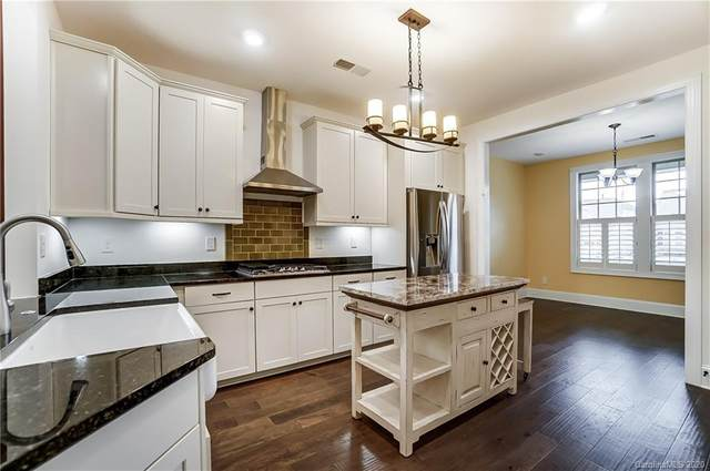 8213 Festival Way, Charlotte, NC 28215 (#3688523) :: BluAxis Realty