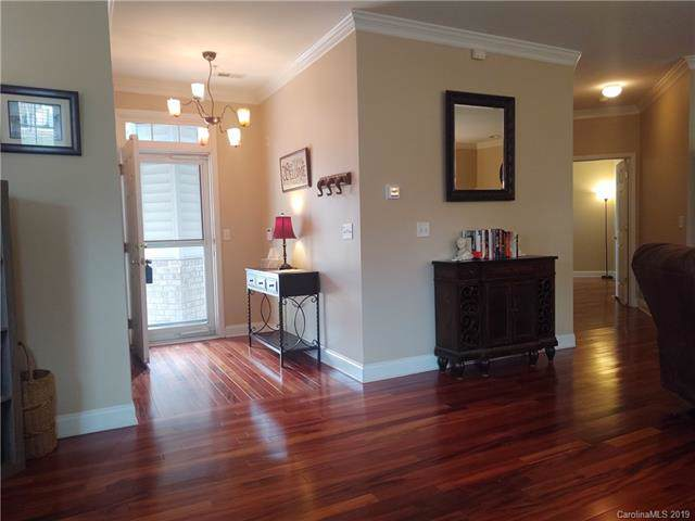 9009 Rosalyn Glen Road, Cornelius, NC 28031 (#3517106) :: Homes Charlotte