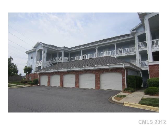 8613 Coralbell Lane #102, Charlotte, NC 28213 (#2087664) :: High Performance Real Estate Advisors