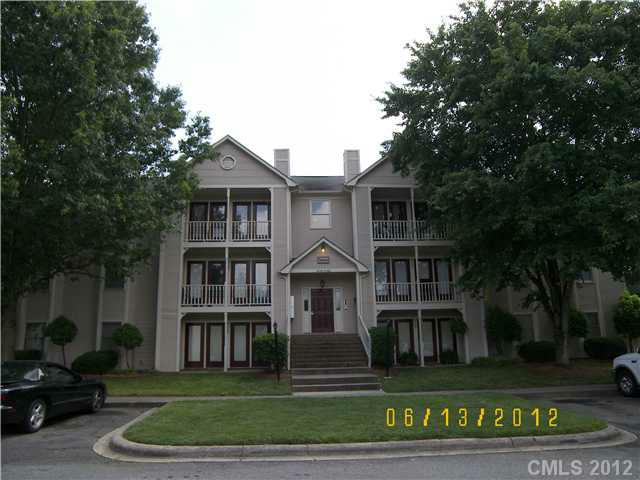 6130 Meadow Rose Lane D, Charlotte, NC 28215 (#2092724) :: High Performance Real Estate Advisors