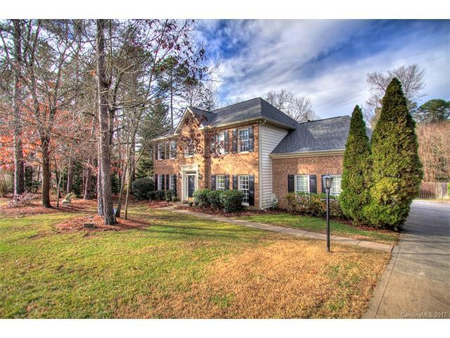 12400 Woodbend Drive, Matthews, NC 28105 (#3240361) :: Rinehart Realty