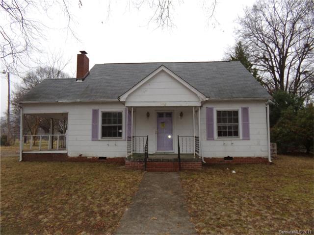 302 King Street, Monroe, NC 28110 (#3240465) :: Rinehart Realty