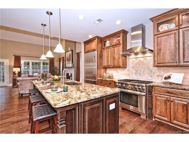 5008 Pineville Matthews Road #9, Charlotte, NC 28226 (#3245003) :: Miller Realty Group