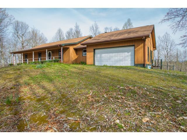 255 Panther Gap Road, Brevard, NC 28712 (#3275525) :: Zanthia Hastings Team