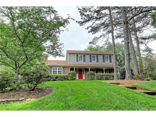 5220 Macandrew Drive, Charlotte, NC 28226 (#3277157) :: Exit Mountain Realty