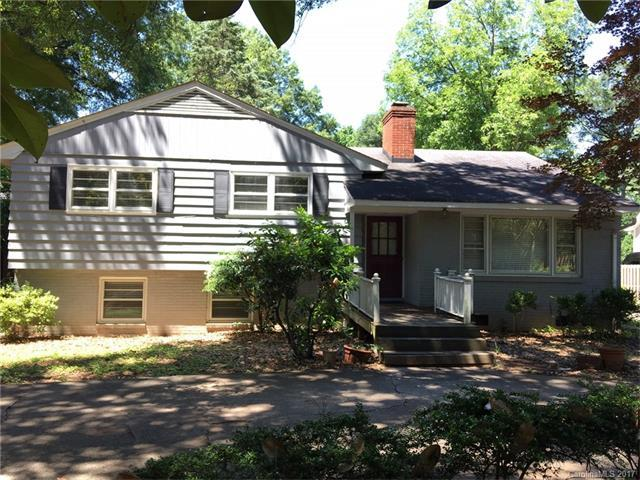 5026 Sharon View Road, Charlotte, NC 28226 (#3285476) :: Leigh Brown and Associates with RE/MAX Executive Realty
