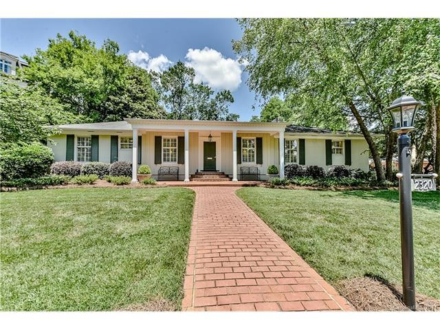 2320 Queens Road E, Charlotte, NC 28207 (#3288301) :: High Performance Real Estate Advisors