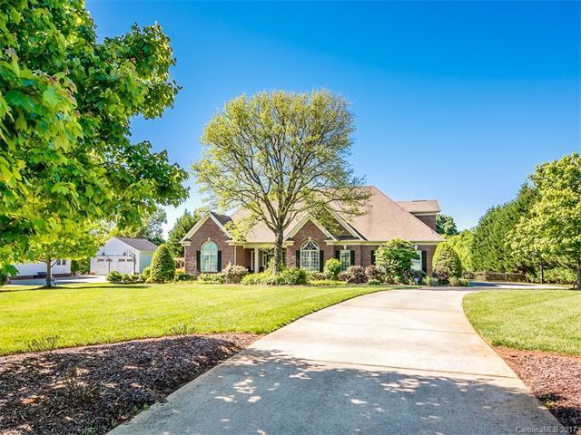 12906 Westmoreland Farm Road, Davidson, NC 28036 (#3288544) :: LePage Johnson Realty Group, Inc.