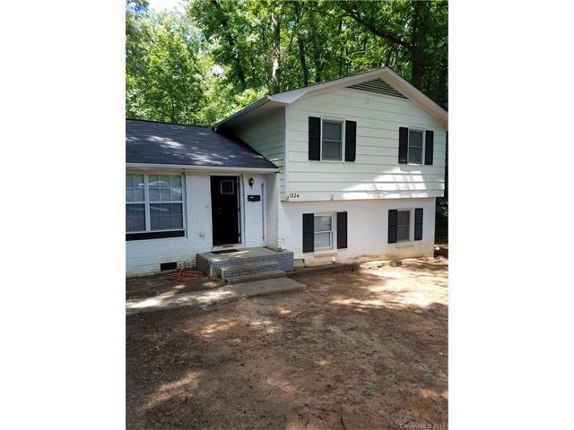 1224 Rosada Drive, Charlotte, NC 28213 (#3290432) :: LePage Johnson Realty Group, Inc.