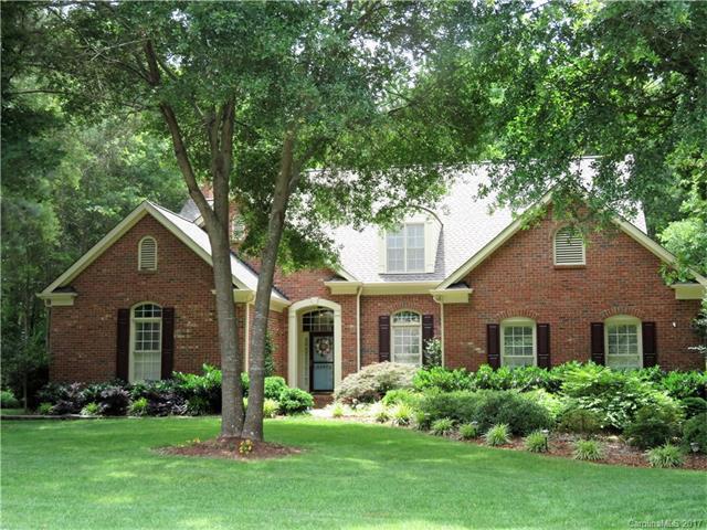 12551 Overlook Mountain Drive, Charlotte, NC 28216 (#3290449) :: Rinehart Realty