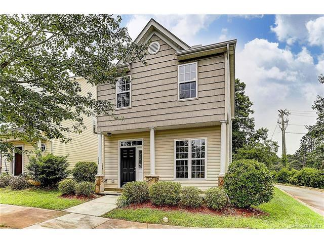 7708 Royal Park Lane, Huntersville, NC 28078 (#3290564) :: Cloninger Properties