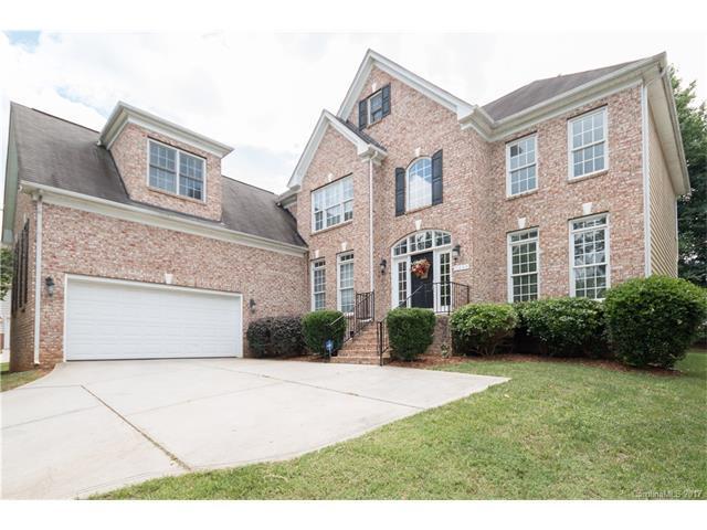 9344 Standerwick Lane, Huntersville, NC 28078 (#3290985) :: Besecker Homes Team