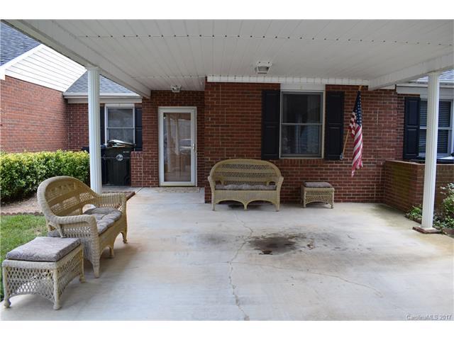 19806 Oak Leaf Circle #65, Cornelius, NC 28031 (#3291404) :: LePage Johnson Realty Group, Inc.