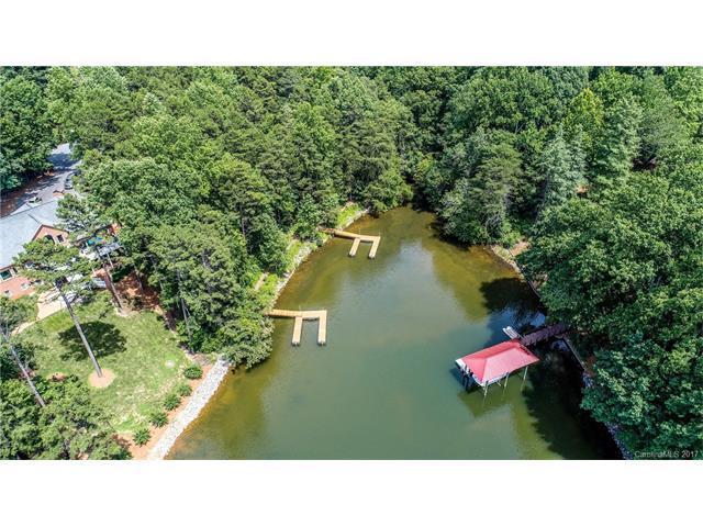 127 Holt Lane, Mooresville, NC 28117 (#3292422) :: LePage Johnson Realty Group, Inc.