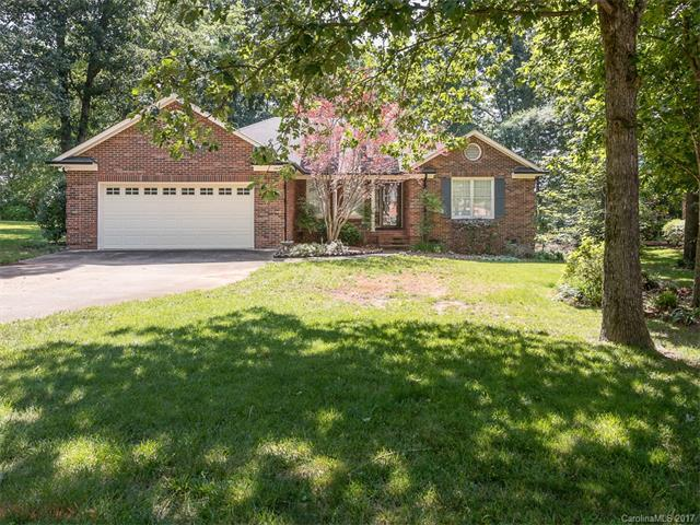 2704 Bent Oak Drive, Matthews, NC 28104 (#3292883) :: The Ann Rudd Group