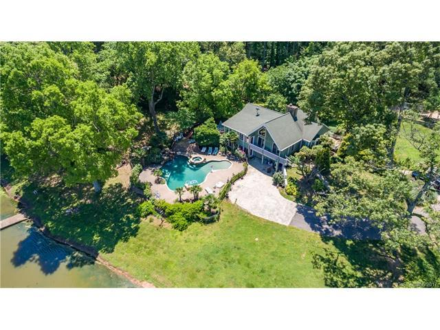 14316 Beatties Ford Road, Huntersville, NC 28078 (#3293354) :: Carlyle Properties