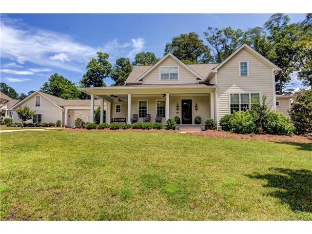 13814 Foxlyn Trail Court, Huntersville, NC 28078 (#3293513) :: LePage Johnson Realty Group, Inc.