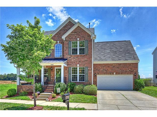 7909 Bridgegate Drive, Huntersville, NC 28078 (#3293959) :: LePage Johnson Realty Group, Inc.