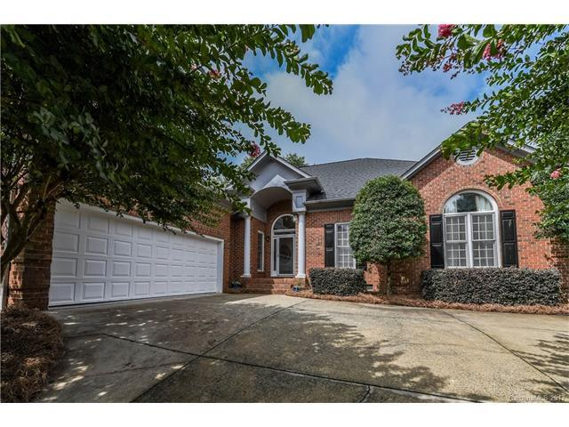 7510 Windaliere Drive, Cornelius, NC 28031 (#3294320) :: LePage Johnson Realty Group, Inc.