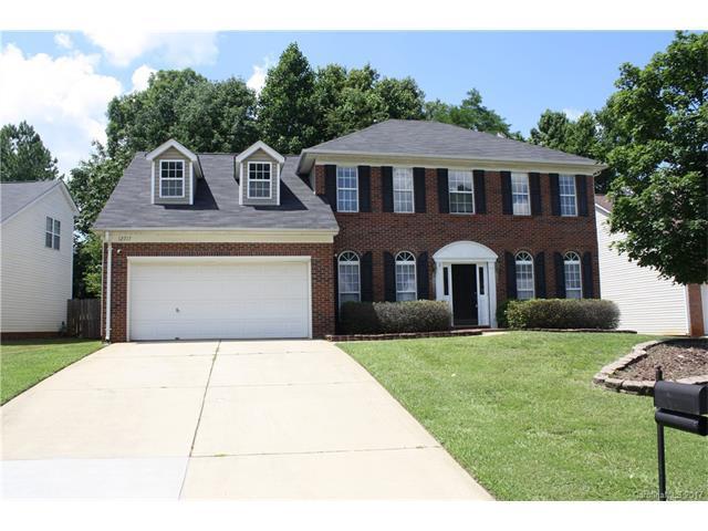 12717 Mcginnis Lane, Huntersville, NC 28078 (#3294443) :: Cloninger Properties