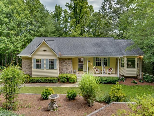 417 Hunters Glen Lane, Hendersonville, NC 28739 (#3294524) :: Exit Mountain Realty