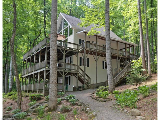 575 Twin Brook Drive, Waynesville, NC 28785 (#3294742) :: Puffer Properties