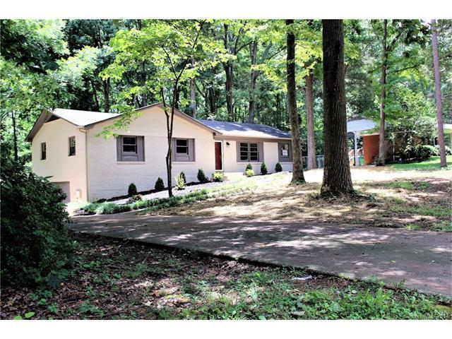 809 Carolyn Lane, Charlotte, NC 28213 (#3294787) :: LePage Johnson Realty Group, Inc.