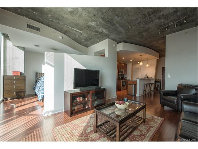 210 Church Street N #1304, Charlotte, NC 28202 (#3295144) :: Lodestone Real Estate