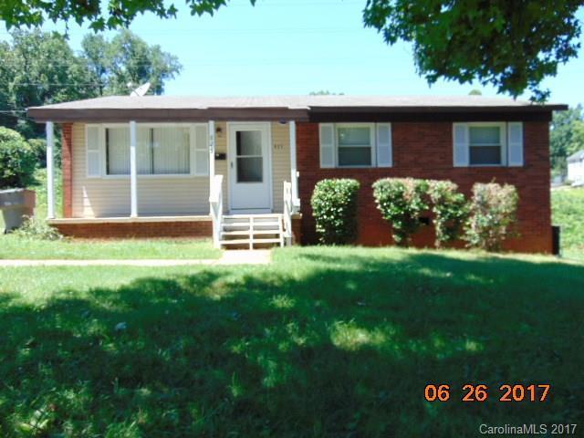 825 Norwood Drive, Charlotte, NC 28208 (#3295454) :: Rinehart Realty