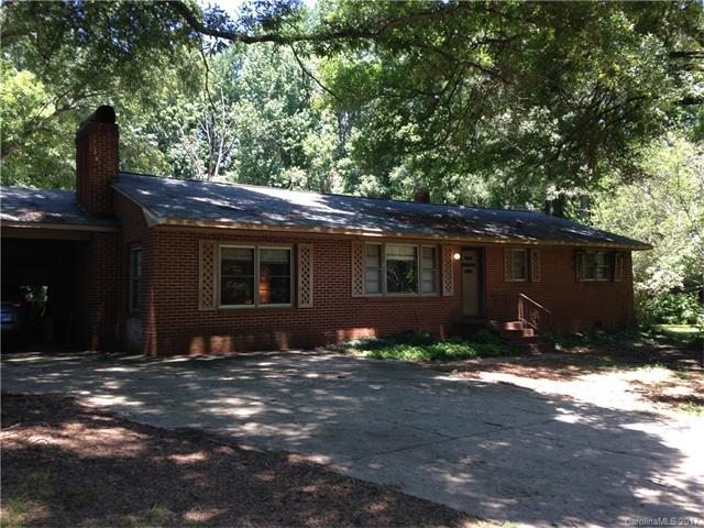 2104 Pinebrook Circle, Charlotte, NC 28208 (#3295503) :: SearchCharlotte.com