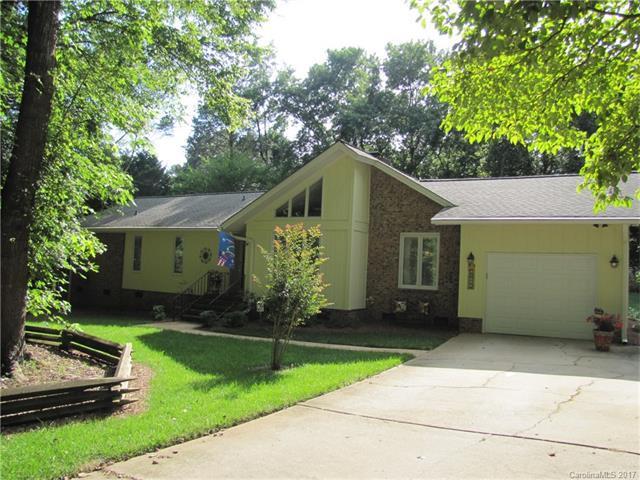 14011 Springwater Drive, Matthews, NC 28105 (#3298292) :: The Beth Smith Shuey Team