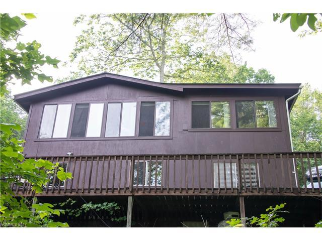 400 Mcmillan Drive, Hendersonville, NC 28792 (#3298846) :: Puffer Properties
