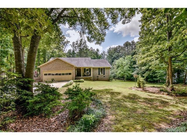 8129 Appaloosa Lane, Charlotte, NC 28215 (#3299272) :: Team Honeycutt