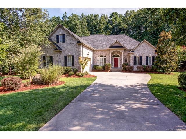 11660 Hidden Forest Lane, Davidson, NC 28036 (#3300633) :: Pridemore Properties