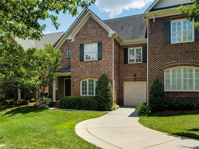 216 Crownsgate Court #216, Charlotte, NC 28207 (#3301283) :: Lodestone Real Estate