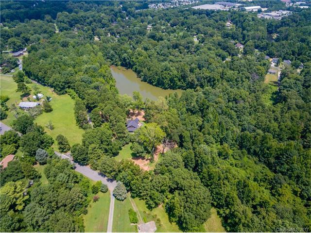 5120 Allen Road E, Charlotte, NC 28269 (#3301523) :: Carlyle Properties