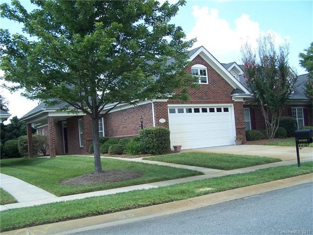 10100 Dominion Village Drive 5A, Charlotte, NC 28269 (#3302677) :: The Ramsey Group