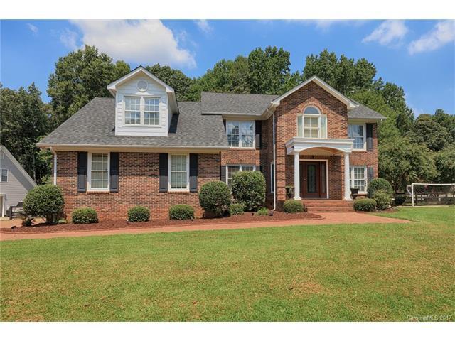 8119 Wonderland Court, Charlotte, NC 28215 (#3302712) :: Stephen Cooley Real Estate Group